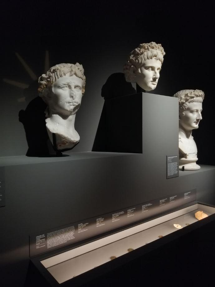 L empereur romain un mortel parmi les dieux 32