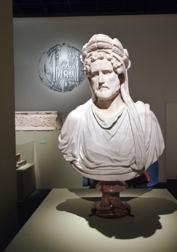 L empereur romain un mortel parmi les dieux 38